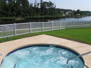 Hot Tub and great view of Intracoastal Waterway