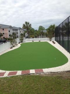 Large Putting Green