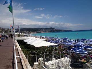 LUXURY MODERN APARTMENT - TOP LOCATION 150 M FROM BEACH & PROMENADE