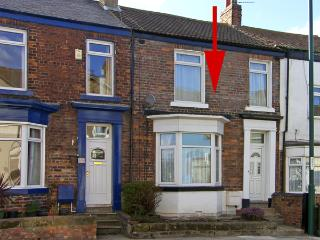 VICTORIA COTTAGE, pet friendly, with a garden in Marske-By-The-Sea, Ref 3940, Marske-by-the-Sea