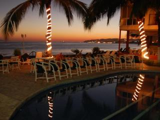 Beachfront condo, Vallarta affordable (Bucerias)