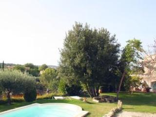Uzes & Pont du Gard : 2 Gites +swimmingpool+river
