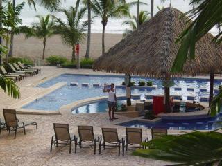 Bahia Encantada Ocean Front 3 BR Condo, Jaco