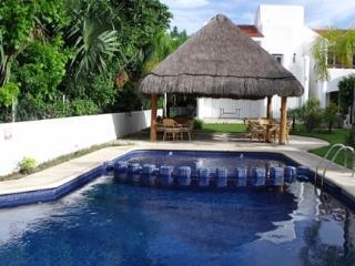 Amazing 3 brm Villa at the Golf Club, PM2, Playa del Carmen