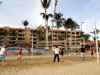 ** Pat's Oceanfront Condo Coral Baja Resort **