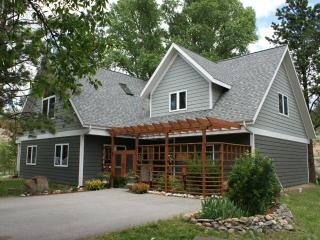 Spring time specials! Luxury home on the river/ massage on site- walk to town!
