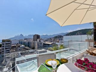 ARPOADOR - 2 Bedrooms 5Star Tri-Plex Penthouse