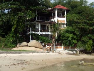 EAST 100, Private  Beach Villa on Lamai Beach