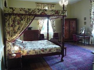 St-Emilion-Bedroom-Rental-Chateau
