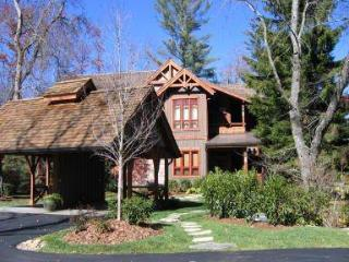 Highlands Story 3BR/3bath walk to town 1 mos min