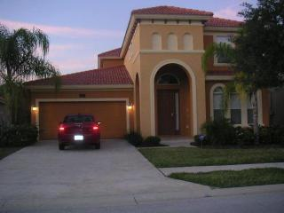 Gated Luxury 5 Bed Vacation Pool/Lake Home -Disney, Davenport