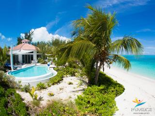 Villa Oasis - an incredible hexagon shaped villa on the beach in Grace Bay
