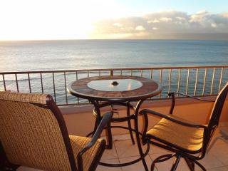 MAUI KAI 806 High 8th Floor Oceanfront RENOVATED Condo NO CLEANING FEES mk806com, Ka'anapali