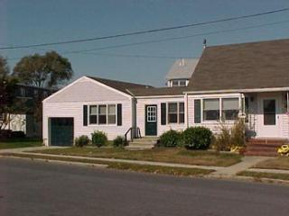 Wonderful 2 BR-1 BA House in Cape May (5885)