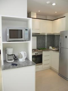 Fully Equipped kitchen including Stove, Microwave & Fridge