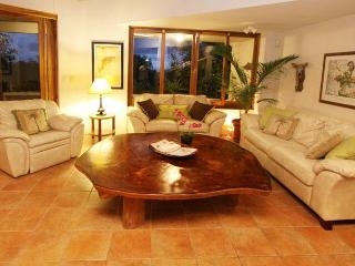 Casa Sandra: Spectacular Views Quality Furnishings, Manuel Antonio National Park