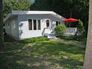 Bungalow In Blue cottage (#623), Kincardine