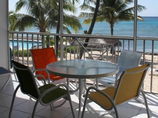 Oceanfront 7 Mile Beach - Email for Specials!, Seven Mile Beach