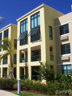 Aquatika - Popular 3BR Penthouse Condo with Upgrades- Must see!