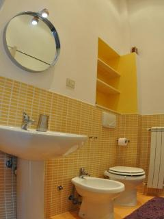 Bagno 1 - Bathroom 1