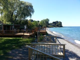 Beachfront Vacation Cottages, Olcott