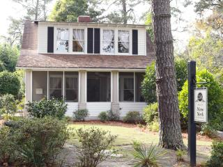 AOS VACATION COTTAGE, Southern Pines