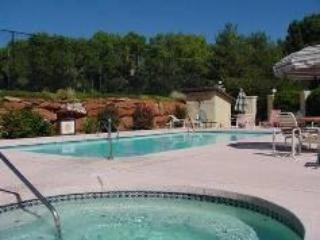 Sedona Everything - Hiking ~ Golf~Pool/Spa (seasonal) ~ Tennis - Gated Community