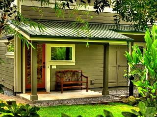 Zen Luxury Bamboo Bungalow, Japanese Gardens & Spa, Hilo
