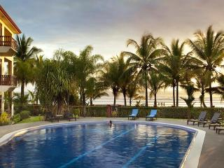 Beautiful 2 bedroom beachfront condo at Bahia Azul, Jaco