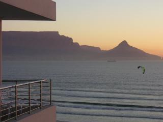 Cape Town Beachfront with the most AMAZING VIEWS!, Città del Capo