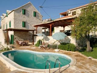 Traditional Dalmatian Villa with Private Pool, Selce