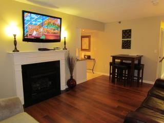 No Fire Damage! In Town With Spectacular View-Walk to the Parkway!, Gatlinburg