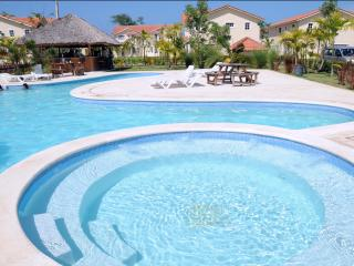 Lovely Condo with EXCLUSIVE Access to the Beach !!, Punta Cana