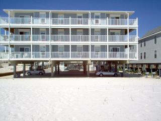 SunChase  102 Beachfront wrap around balcony 1st Floor