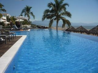 Nuevo Vallarta Luxurious Beach Front Paradise