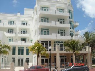 Luxurious Oceanfront Condo in SoBe (Miami Beach)