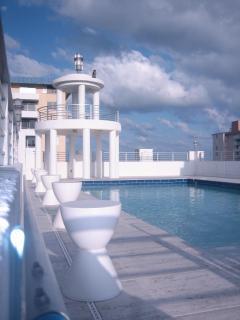 Rooftop Pool (overlooking Ocean Drive and Ocean)