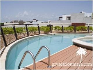 Luxury condo, Steps from the Beach, H205, Playa del Carmen