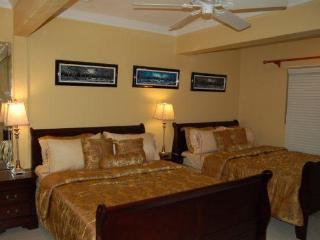 Brownstone's Ocean Breeze Villa, Nassau