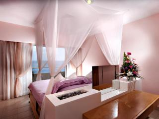 The most romantic condo on the island! Miramar 403, Cozumel