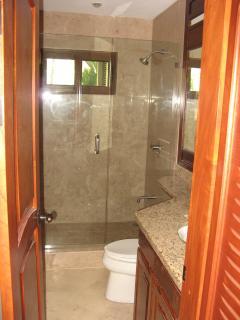 The Palms #7 Flamingo Beach Costa Rica, Main Level Full Bathroom