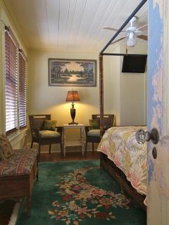 upper level bedroom with full