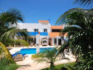 Casa Azul, Playa Paraíso