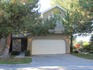 Oaks at Wasatch 5 bedroom  3.5 bath condo