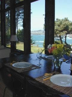 Breakfast or lunch with a view