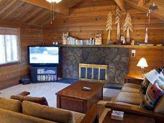 Skier's  Sunriver Home Pet-Friendly and Foosball  Near the Village