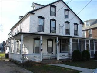 Picturesque House with 5 Bedroom-2 Bathroom in Cape May (71398)