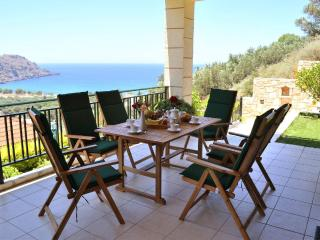 Villa Antonia with private swimming pool, Kissamos