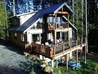 4 Bedroom 3 Bathroom West Facing Ocean Views, Mayne Island