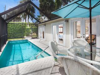 Old Naples Luxury Cottage - Walk to 5th & Beach !, Nápoles